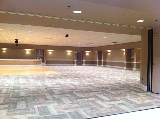Dance floor and Main dinning area - Looking from the Bar!